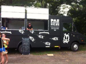 Pas d'cochon dans mon salon, habillage food truck, 2012